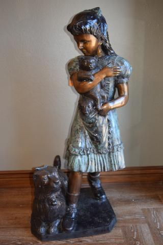 An example of the Bronze Statues for sale at the Bargain Barn