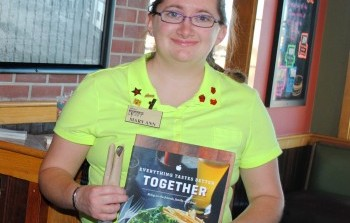 Recognizing Ability: Minear Serves As Model Host for Applebee's